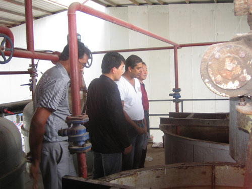 Mauritius customers visits the 30TPD semi-continuous refining plant