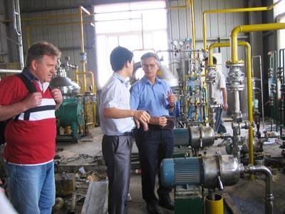 oil degumming and dewatering