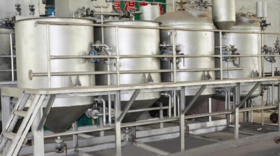 small oil refining plant